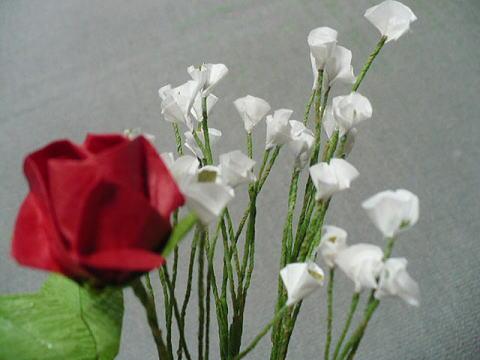 折り紙 おひなさま 折り紙 : バラとカスミソウ:おりがみや ...