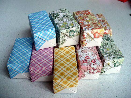 箱形に折った折り紙はこう活用 ... : 箱 長方形 折り方 : 折り方